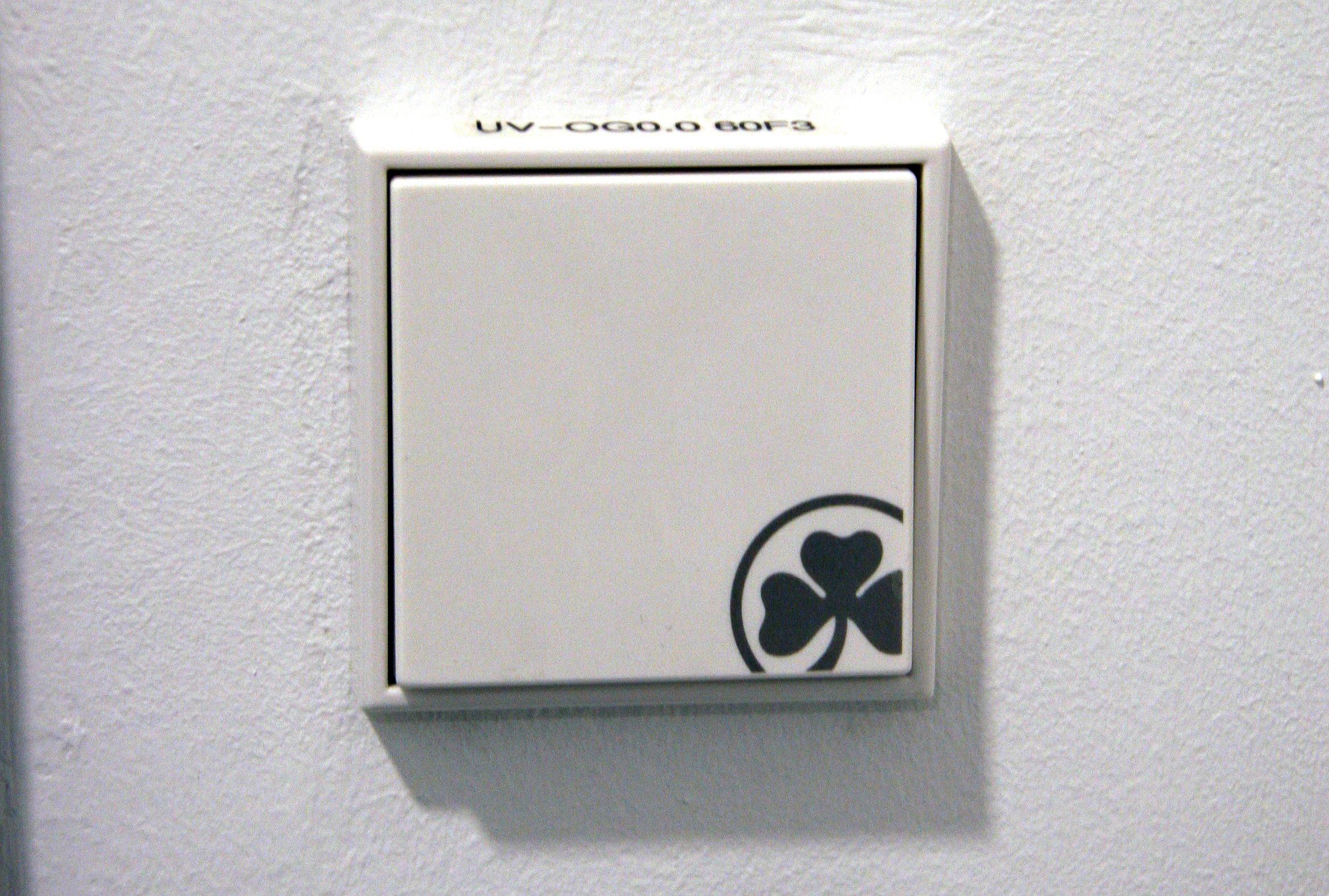 Ausgezeichnet Einzelner Schalter Roter Draht Ideen ...